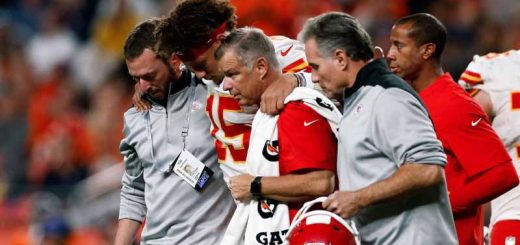 Mahomes-injured-leg