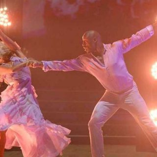 Vernon Davis and partner dancing on DWTS season 29
